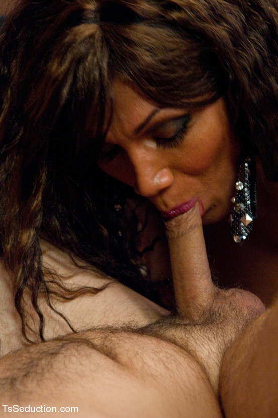 Yasmin Lee Dick Sucking